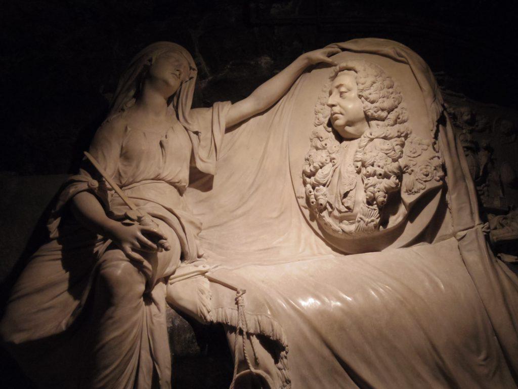 クライスト・チャーチ大聖堂の地下にある彫刻?